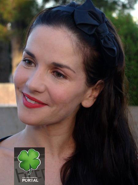 http://www.nataliaoreiro.cz/photogallery/albums/2010/amigadecanelones/foto_01.jpg